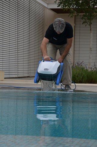 רובוט לניקוי בריכות דולפין S509
