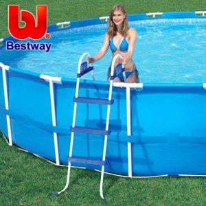 סולמות לבריכות שחייה