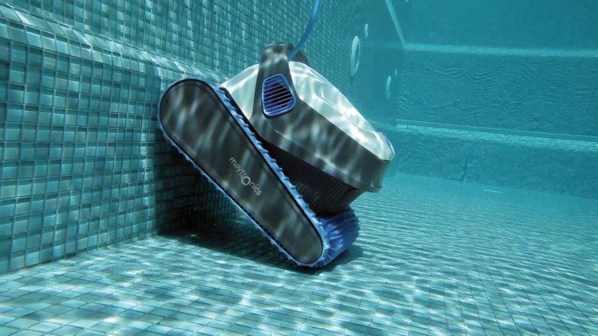 רובוט לניקוי בריכות דולפין S200